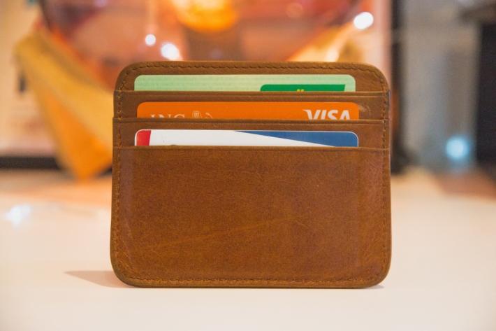 財布とキャッシュカード